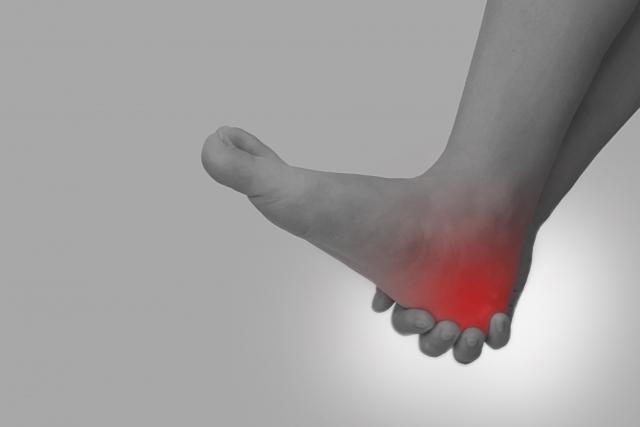 捻挫の治療と応急処置